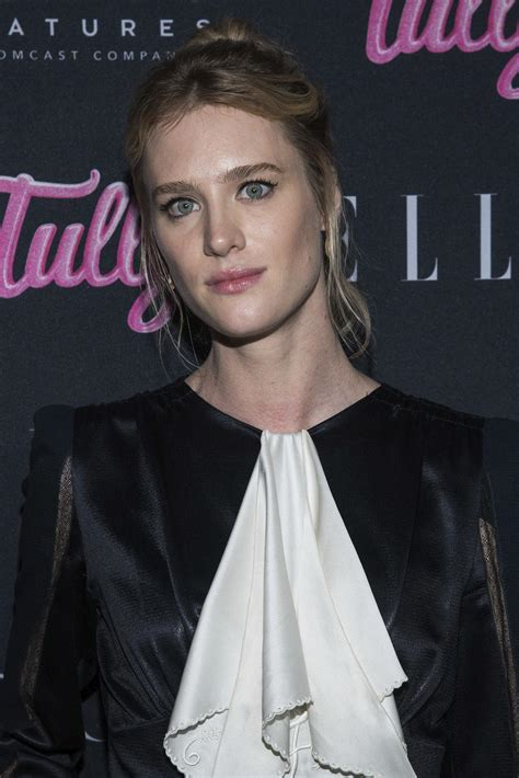'Tully' shows why Mackenzie Davis exerts force on screen
