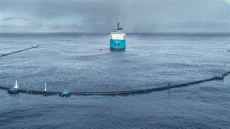 Great Pacific Garbage Patch: Ocean Cleanup device breaks
