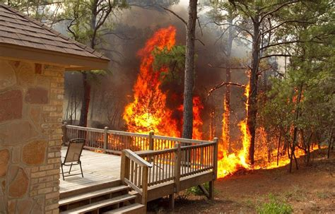 Fire experts comparing Texas, Calif