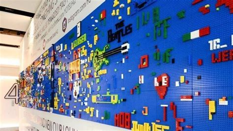 New York hotel guests build a wall of LEGO   BoxMash