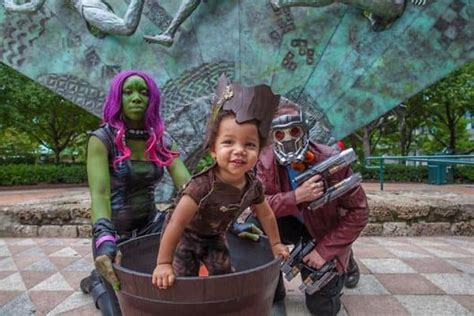 14 Of The Most Epic Family Halloween Costumes